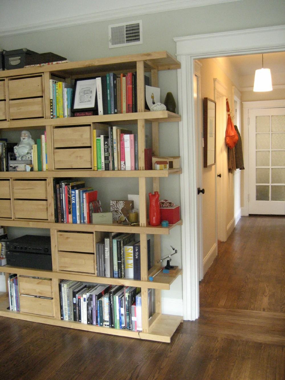 IKEAの無垢材のシェルフユニット , 住宅デザイン.