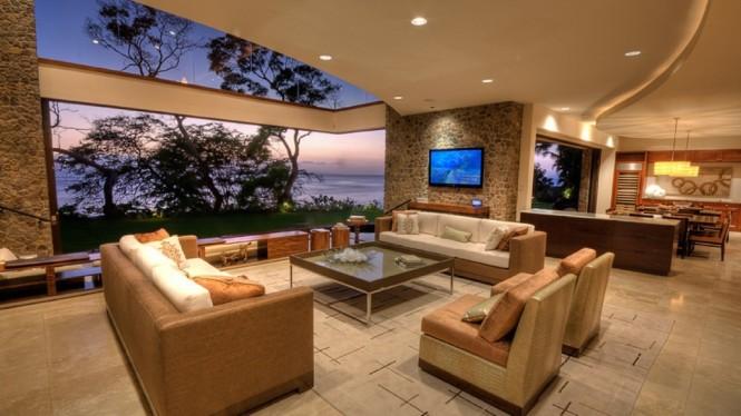 【ほとんど屋外】青い空と開放感のある窓の家  住宅デザイン