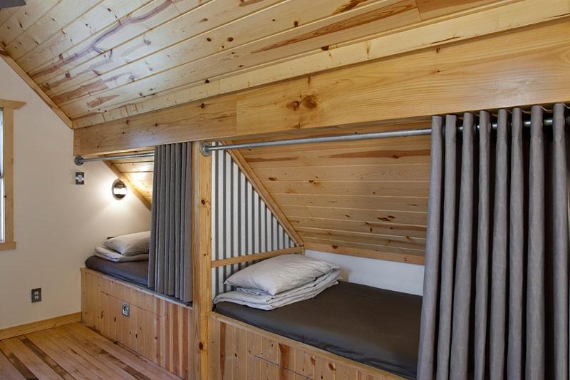 【夢が広がる屋根裏部屋】ロフトのワンルームハウス 住宅デザイン