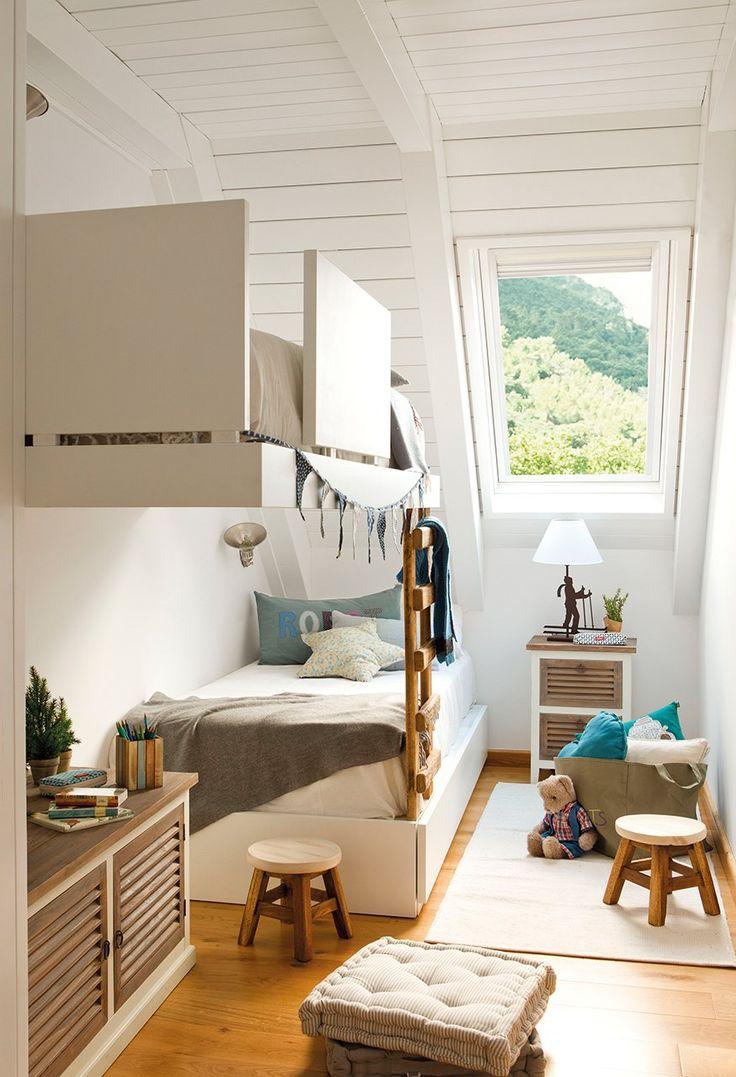 リビング 細長いリビング レイアウト : Design Kids Room with Bunk Beds