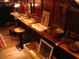 長い作業机,棚