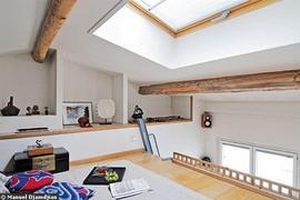 屋根裏,ロフト,天窓,ニッチ,開放感,雰囲気