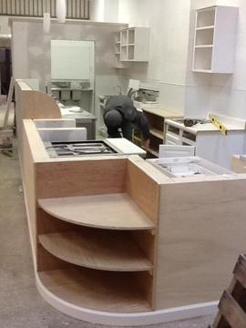 キッチン,カウンター,デザイン,丸い,角,対面型,雰囲気