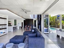 オーストラリアの豪邸のリビング