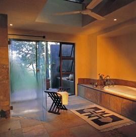 南アフリカのスイートのバスルーム