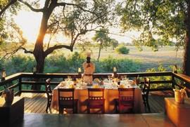 南アフリカのホテルのランチデッキ