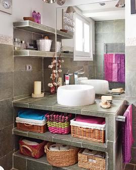 紫とピンクのバスルーム.jpg