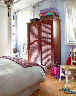 紫とピンクの寝室.jpg