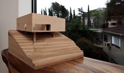 小さい家に大きな部屋の外観3.jpg