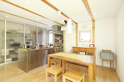 ウォークインクローゼットのあるキッチン.jpg