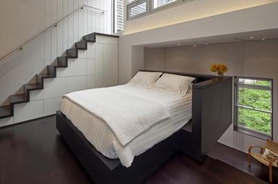 マンハッタンの狭小住宅の寝室.jpg