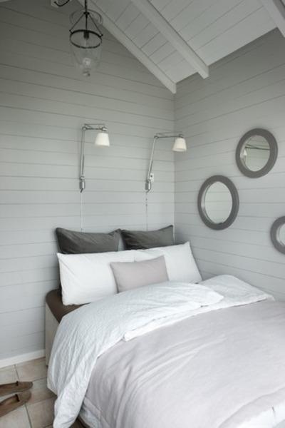 13坪弱の狭小住宅ビーチハウスの寝室.jpg