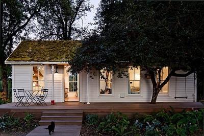シンプルで小さくて可愛らしい平屋の家.jpg