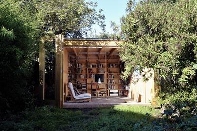 森の中の秘密基地的書斎.jpg