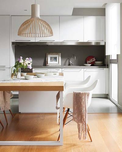 ダイニングテーブルとキッチンカウンターの融合1.jpg