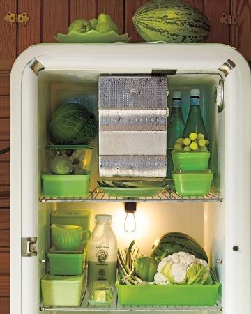 冷蔵庫の中も美しいグリーンのタッパー.jpg