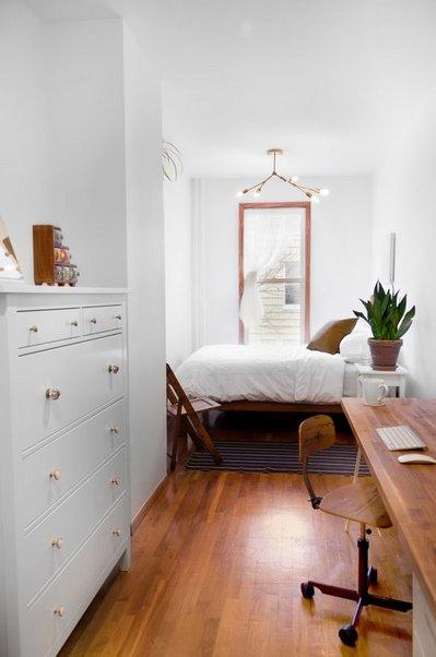 幅2mくらいの細長いベッドルーム.jpeg
