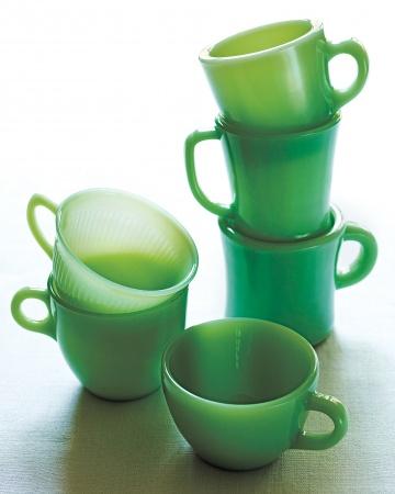 翡翠のようなくすんだグリーンのコーヒーカップ.jpg