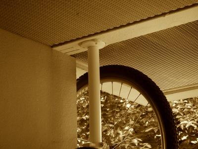 IKEAのStolmenで自転車ラックをDIY2.jpg