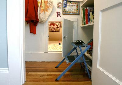 クローゼットの奥の隠し扉とベッドルーム1-2.jpg