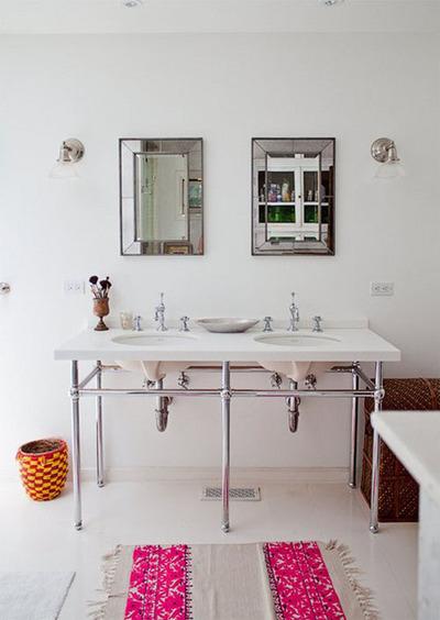 ミニマルな二人用の洗面台.jpg