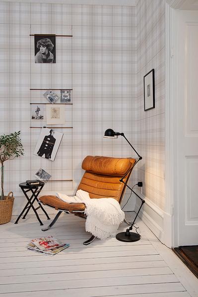 リビングの片隅に置かれた一人掛けソファの寛ぎ空間.jpg