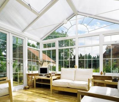 ガラストップ天窓のサンルームのリビング2.jpg