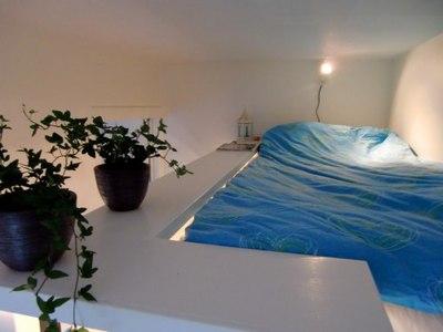 ロフトの上のベッドルーム.jpg