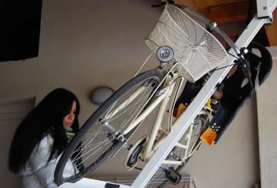 自転車駐輪用ラックflat-bike-lift ママチャリも搭載可能