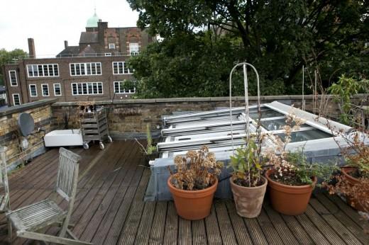 ロフトのベッドルームから更に階段を上がった先の屋上テラス2