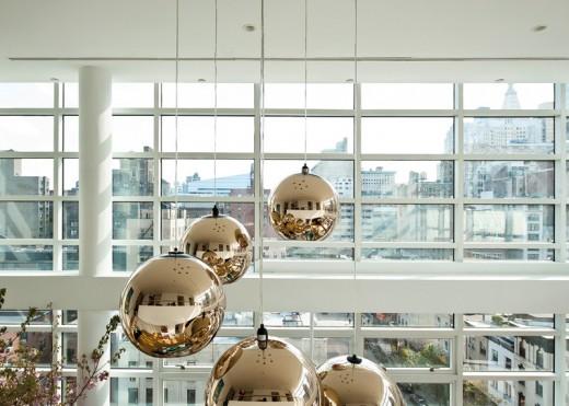 ニューヨークのペントハウスの全面ガラス張りのリビング・ダイニング3