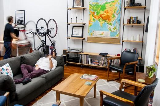 自転車用壁掛けラック ウォールマウントラック CLUG 室内縦置き