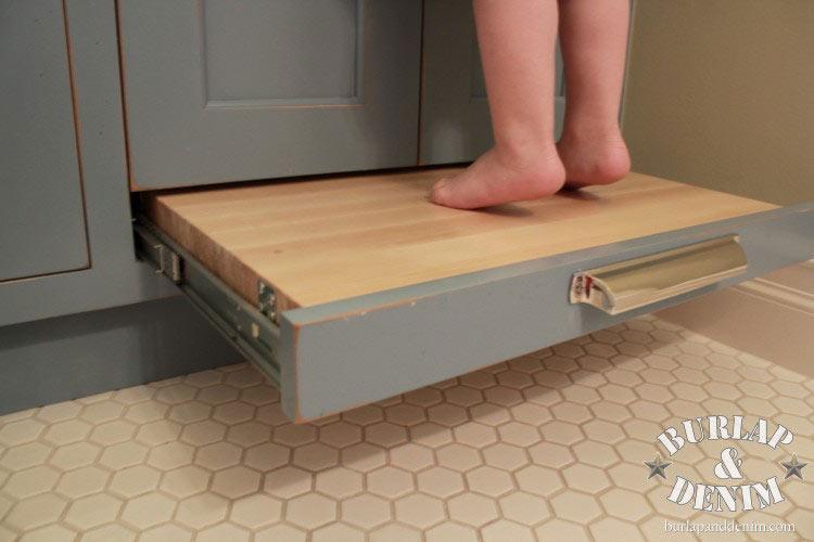 【空間利用に新たな視点】便利な引き出し収納式の踏み台 住宅デザイン