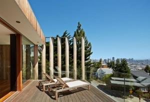 狭小住宅の屋上のテラス