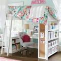 下に机と棚が収まる2段ベッド ロフトベッド ペパーミントグリーンとピンク 可愛らしい感じ
