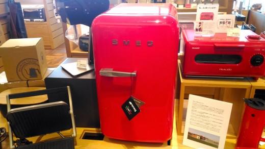 2台目の冷蔵庫 二子玉川 蔦屋家電にあったSMEGの小型冷蔵庫FAB5URR 2_[0]
