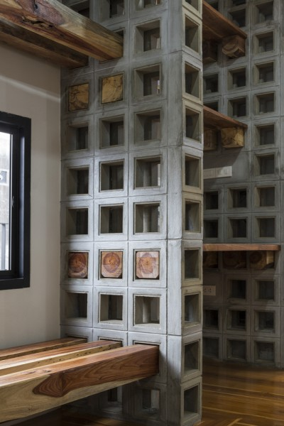 空間を自在に区切るコンクリート製の収納兼パーティションブロック「スクリーンブロック」