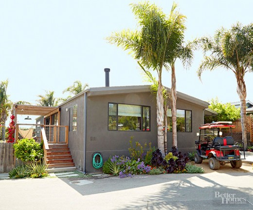 建坪40坪ウッドデッキの屋外ダイニングと庭付きの平屋のモバイルホーム