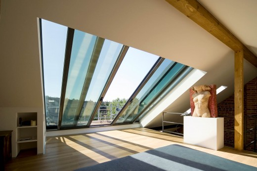 ドイツ Sunshine Wintergarten社の勾配天井用観音開きスライドドアを屋内側から