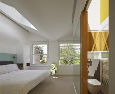 メインベッドルームの上の天窓