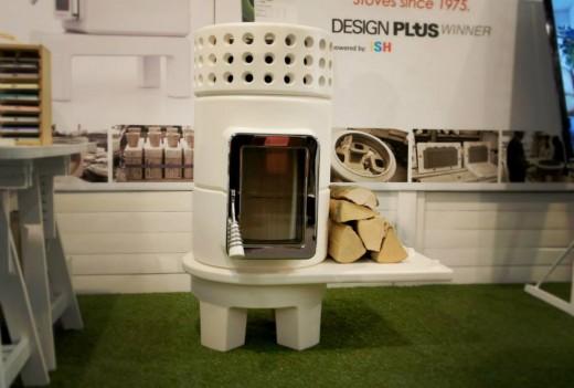 陶器製のストーブ スタック サイドテーブル付きの足
