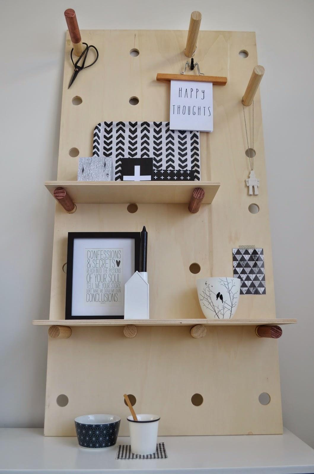 DIYの有孔ディスプレイボード1