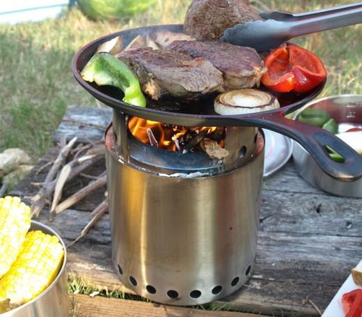 solo stove ソロストーブ キャンプファイアで調理