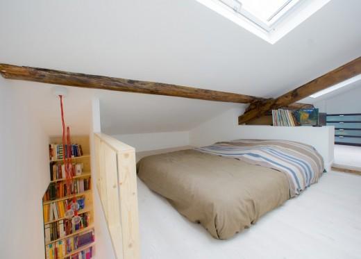 リノベーションでロフトを追加したワンルームマンションのロフトのベッドルーム2