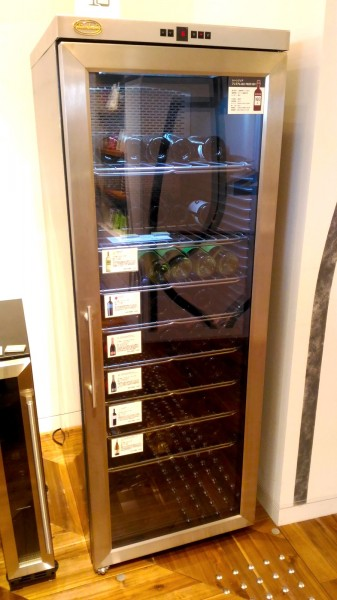 2台目の冷蔵庫 二子玉川 蔦屋家電にあったシャンブレアのワインセラー PROF200 160本タイプの外観_[0]