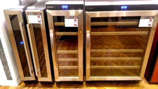 2台目の冷蔵庫 二子玉川 蔦屋家電にあったドメティックのワインセラー 各種 外観_[0]