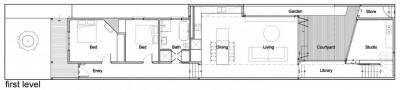 中庭の向こうにワークスペースのある家の図面