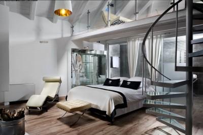 ロフトのラウンジ付きのベッドルーム2