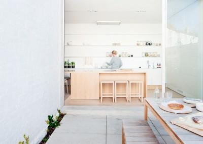 明るく開放的なダイニング・キッチン