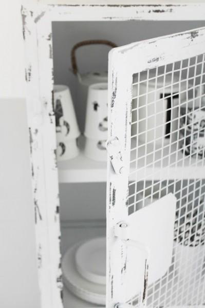 メッシュドアの白いアンティーク風スチールロッカー アップ2